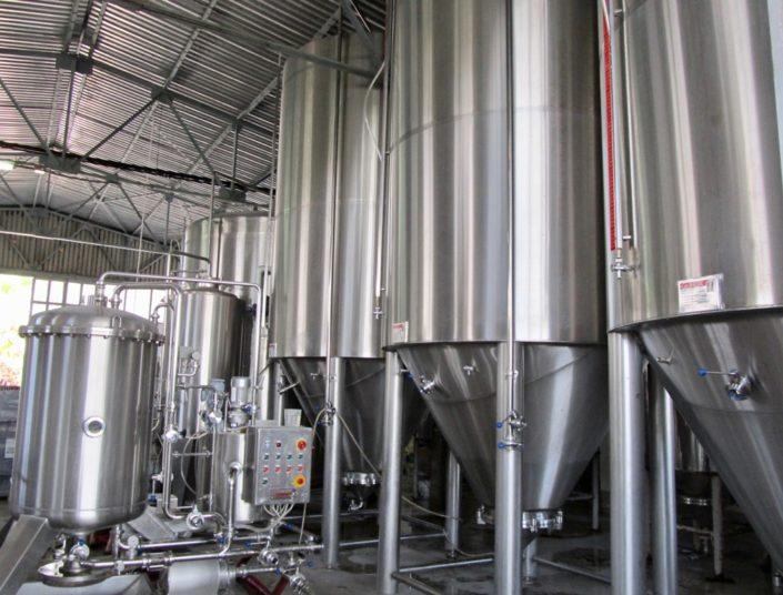 Zeos Brewery-tanks
